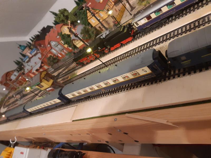 Köln -Oostende Express 20201204_211208bljys