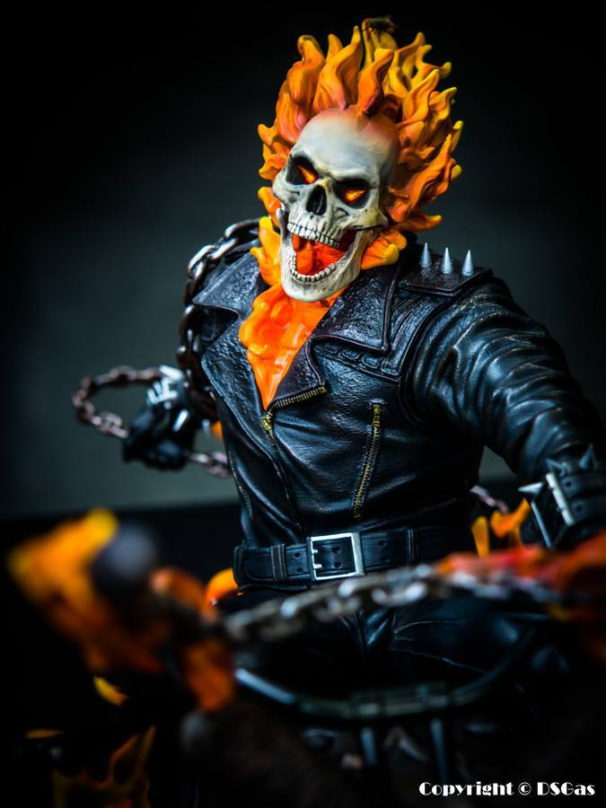 Premium Collectibles : Ghost Rider - Page 5 20atu61