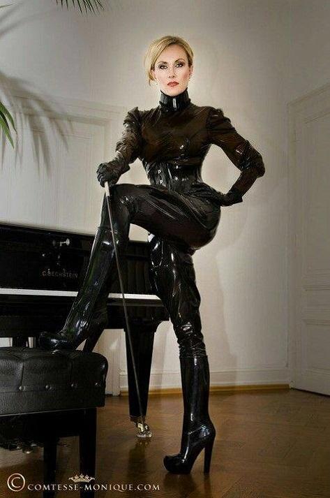 comtesse monique leather