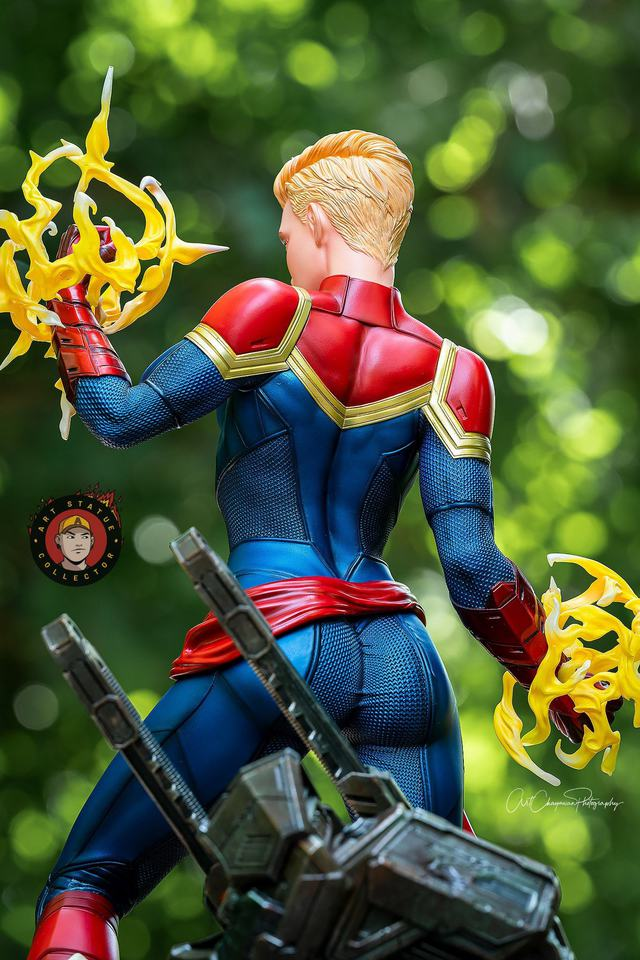 Premium Collectibles : Captain Marvel 1/4 Statue 239872383_13625626870siknu