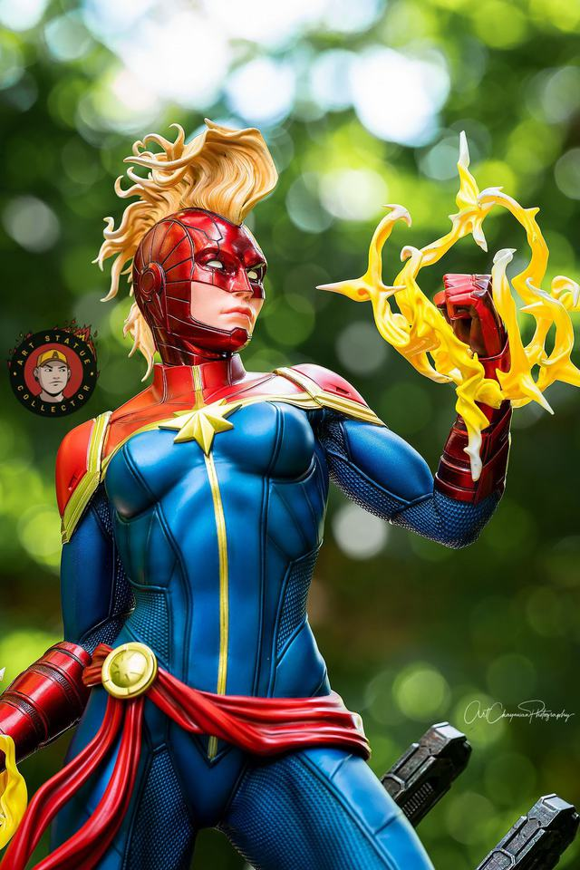 Premium Collectibles : Captain Marvel 1/4 Statue 240445250_136256418704ljpz