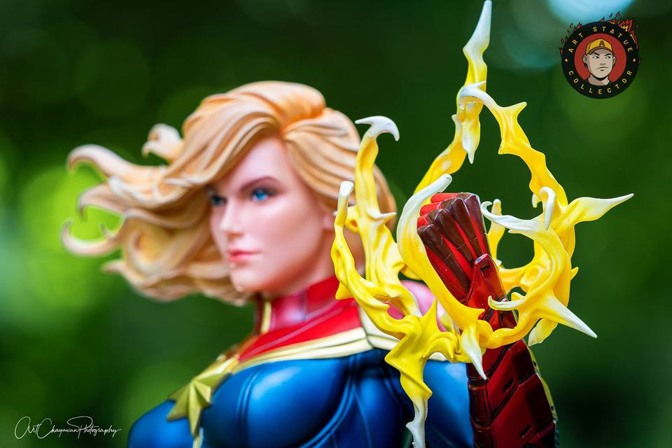 Premium Collectibles : Captain Marvel 1/4 Statue 240598273_13625599203umjr3