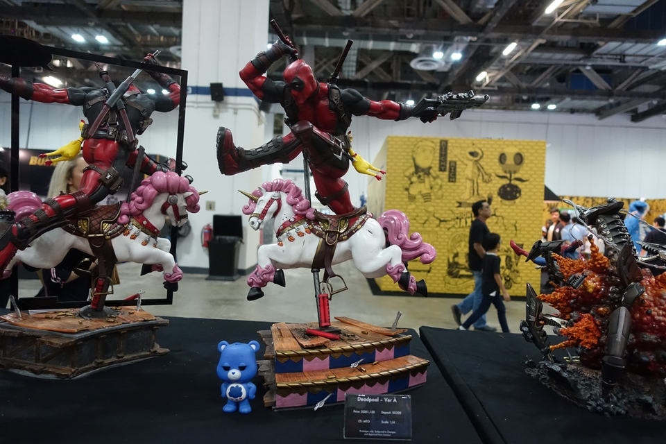 Premium Collectibles : DeadPool ** 254k42