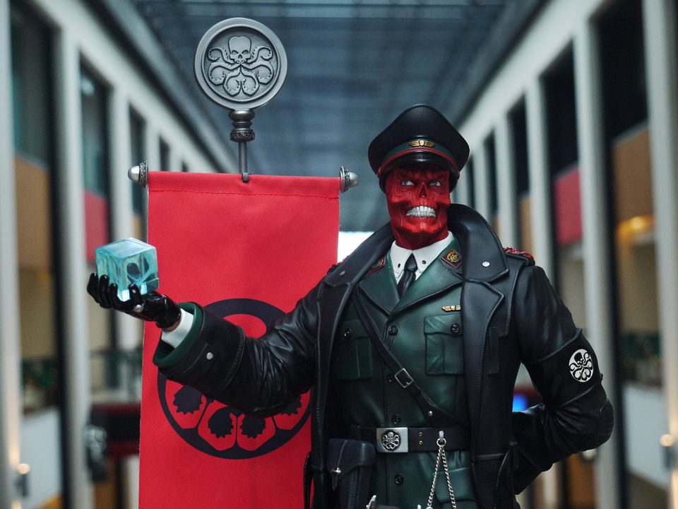Premium Collectibles : Red Skull - Page 2 26063291_1546319745459eugr