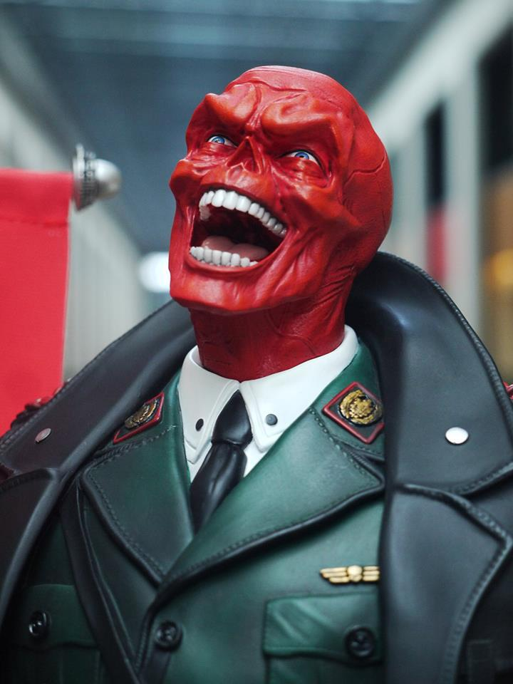 Premium Collectibles : Red Skull - Page 2 26167250_1546320338784gu8o