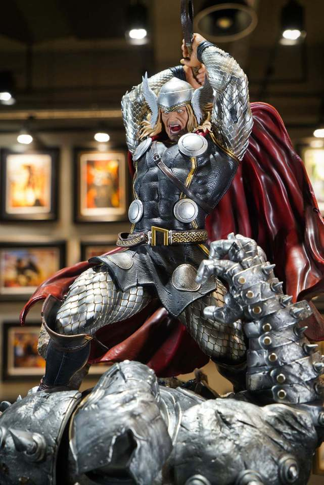 Premium Collectibles : Modern Thor 26cj93
