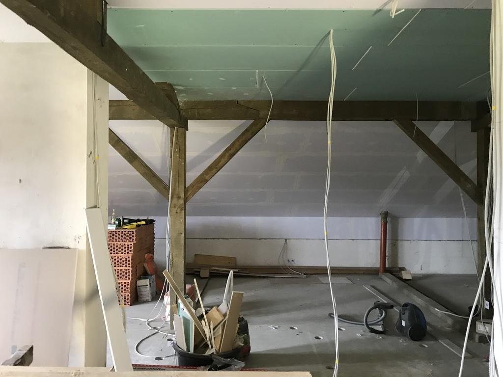 Tolle Wie Man Elektrischen Draht Im Keller Laufen Lässt ...
