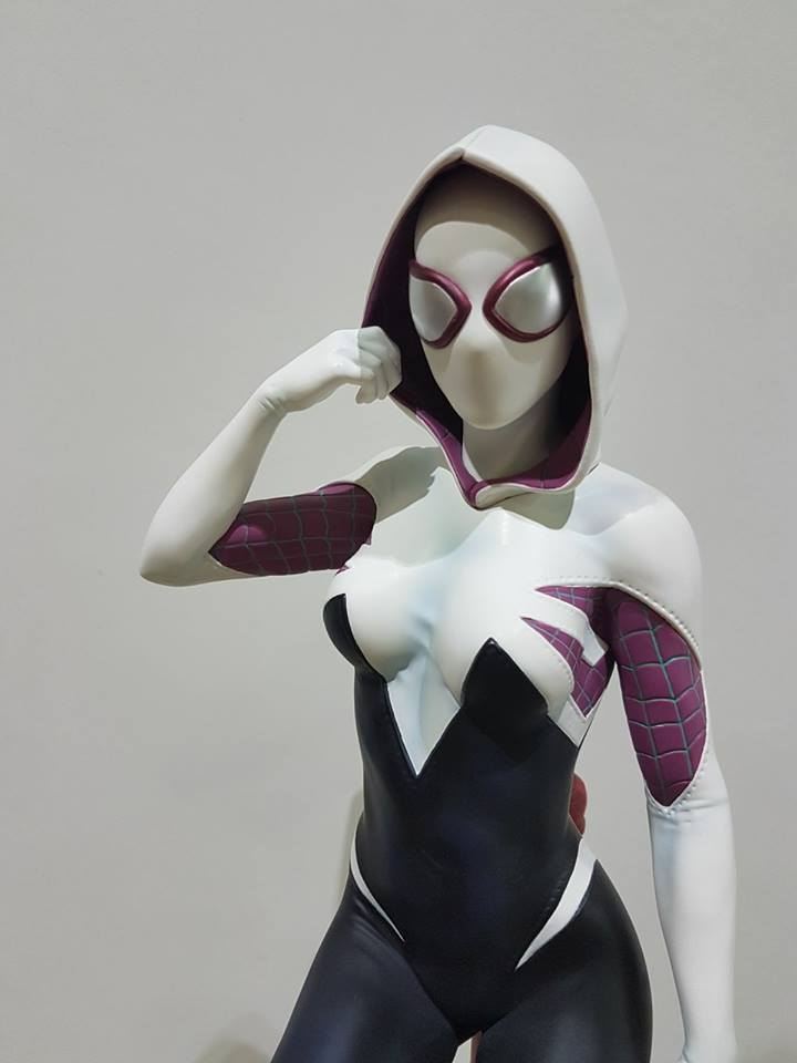 Premium Collectibles : Spider-Gwen 28056379_101554440511xkj39