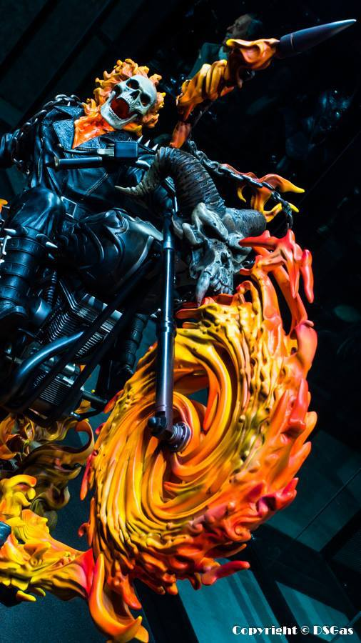 Premium Collectibles : Ghost Rider - Page 5 28scu41