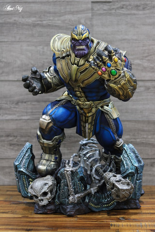 Premium Collectibles : Thanos and Lady Death 29gki7