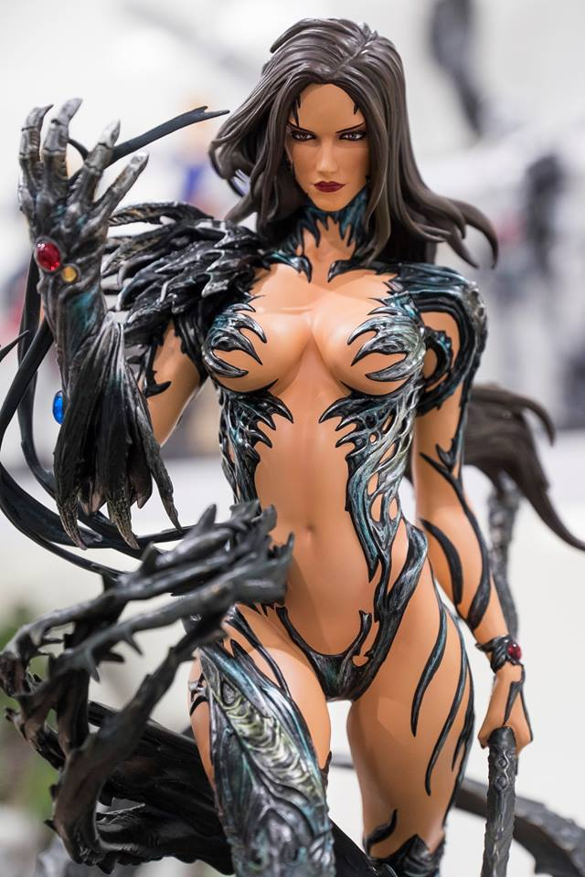 Premium Collectibles : Witchblade - Page 4 2hfbn9