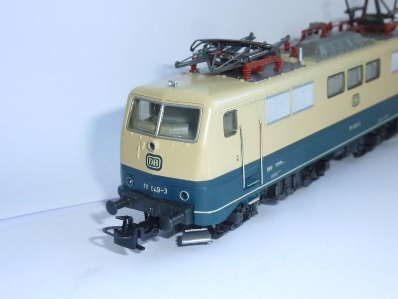 Märklin 3642 111 049-3 mit neuem Fahrwerk ausgestattet 2o1jdu