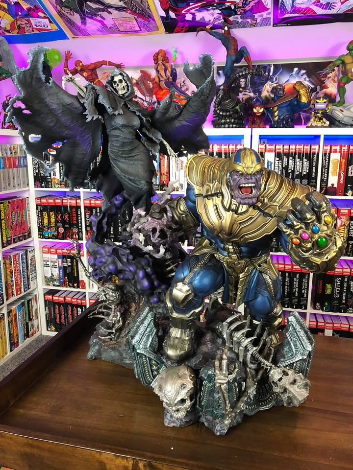 Premium Collectibles : Thanos and Lady Death 2rpk2y