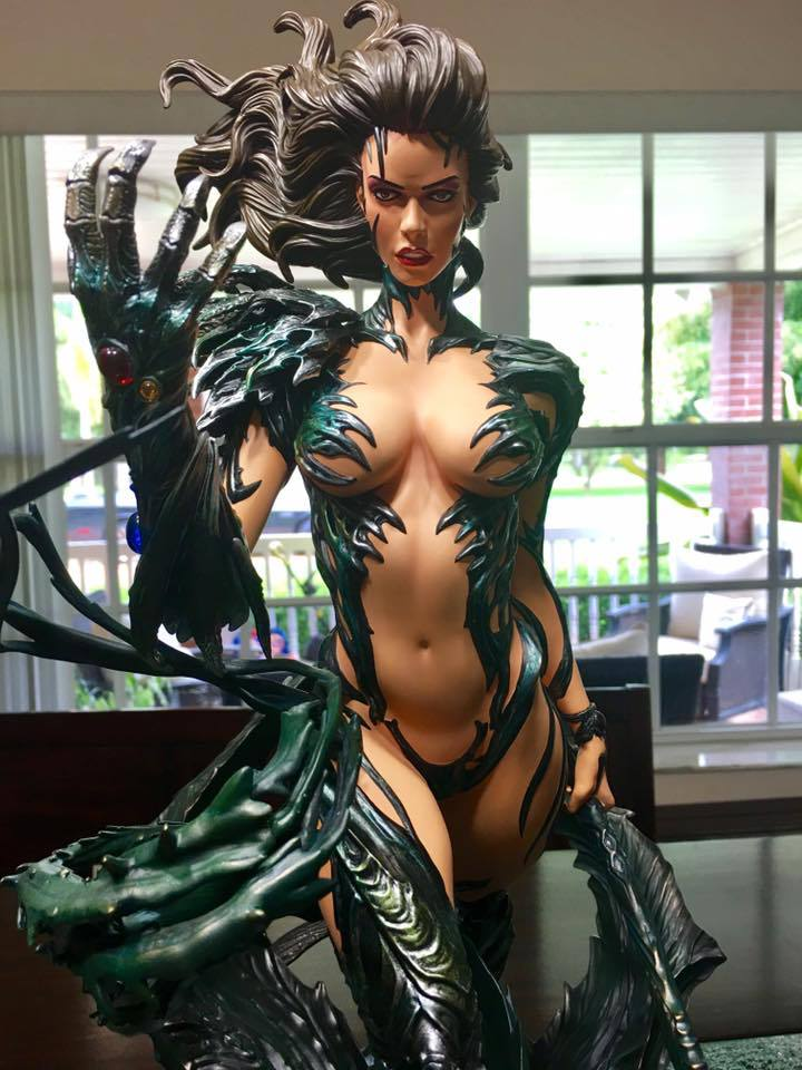 Premium Collectibles : Witchblade - Page 4 2rusot