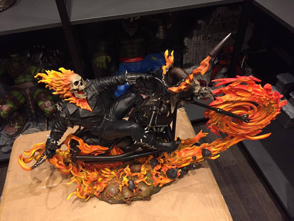 Premium Collectibles : Ghost Rider - Page 6 2t2usm