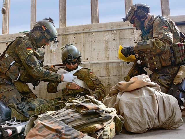 feldjäger nehmen oberleutnant fest