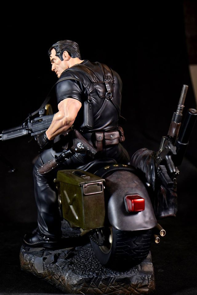 Premium Collectibles : Punisher - Page 5 304cu0f