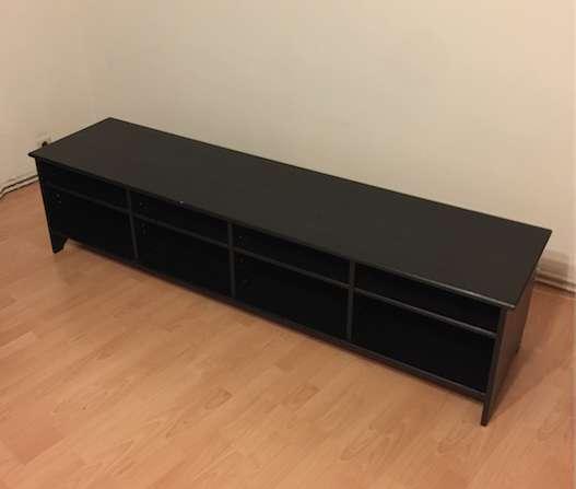 lowboard tv m bel einer lteren serie welcher ikea fans. Black Bedroom Furniture Sets. Home Design Ideas