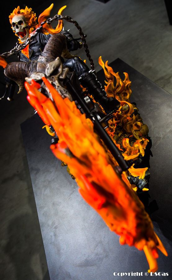 Premium Collectibles : Ghost Rider - Page 5 31pkush
