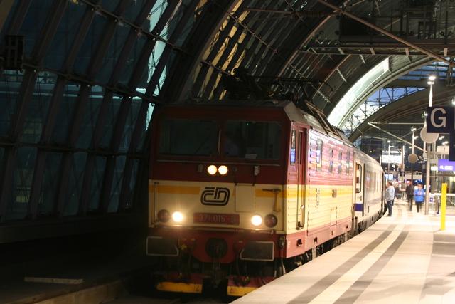 371 015-9 Berlin Hbf
