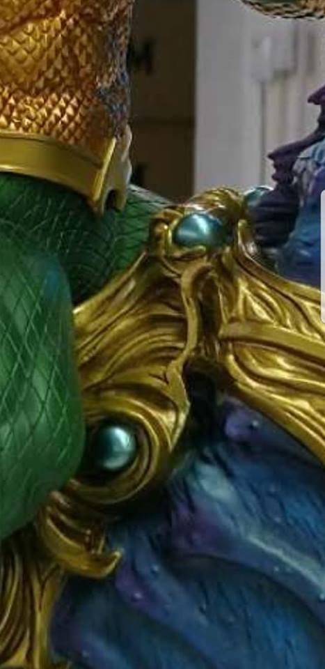 Premium Collectibles : JLA Aquaman 1/6**   37830008_2099694830248sd9w