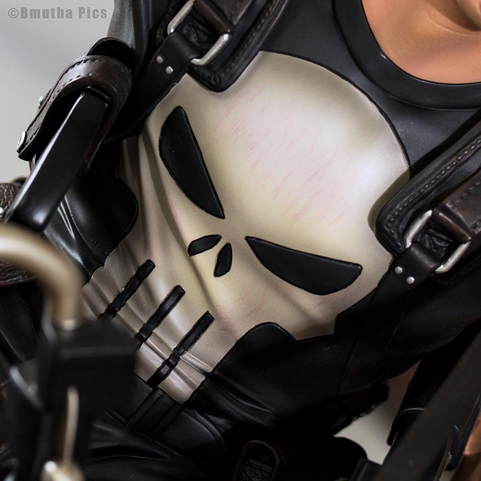 Premium Collectibles : Punisher - Page 5 379uem