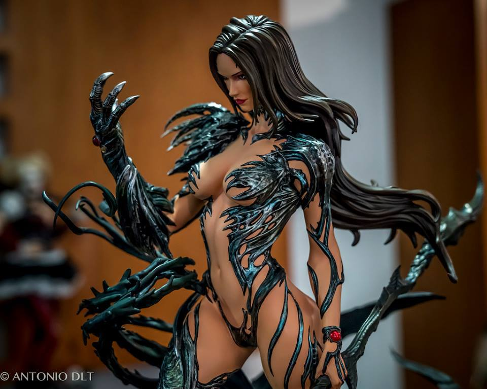 Premium Collectibles : Witchblade - Page 4 380kbj