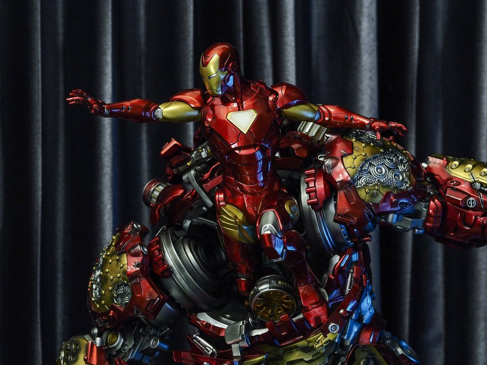 Premium collectibles : Hulkbuster** - Page 2 38495649_209660588369byc19