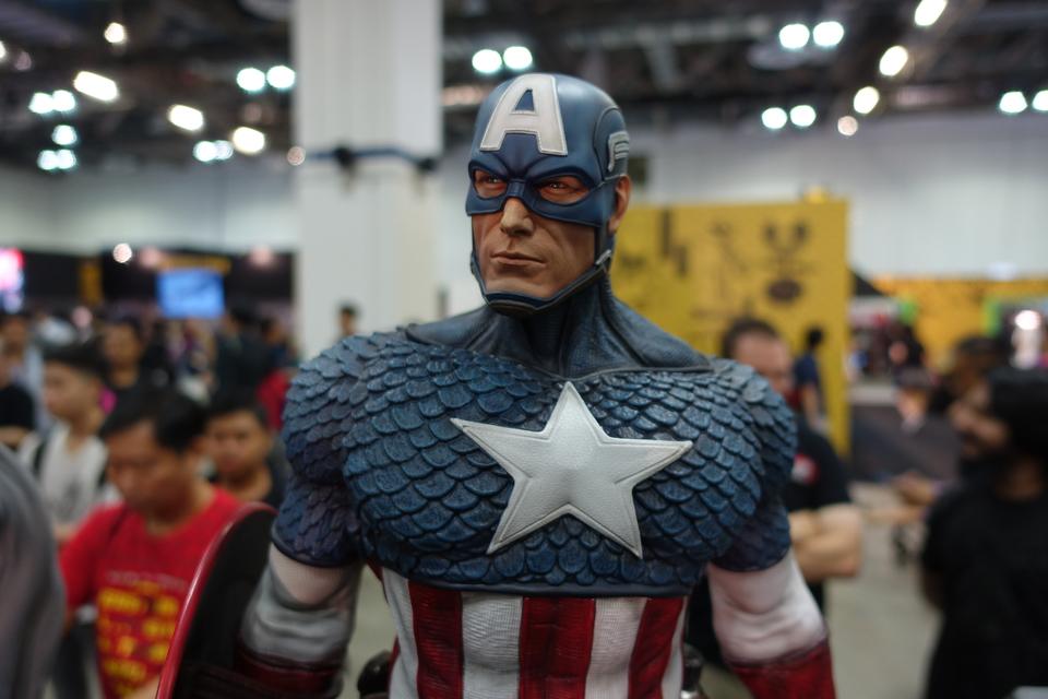 Premium Collectibles : Captain America 1/3 3afrkri