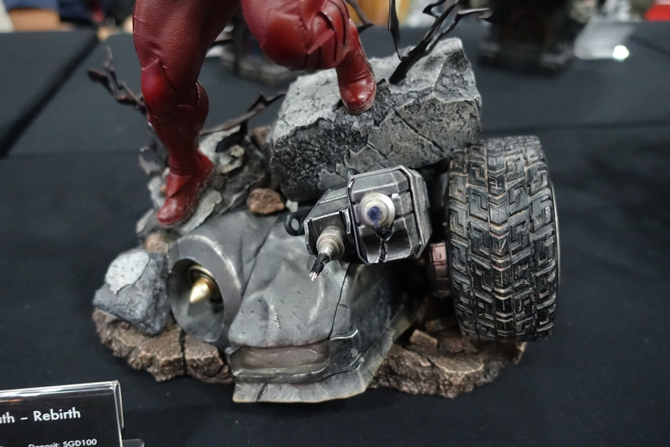 Premium Collectibles : Red Death 1/6 3b8ekta