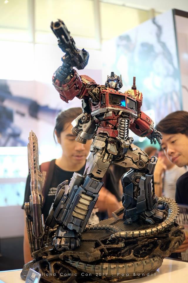 Premium Collectibles : Transformers - Optimus Prime (G1) 3bas0l