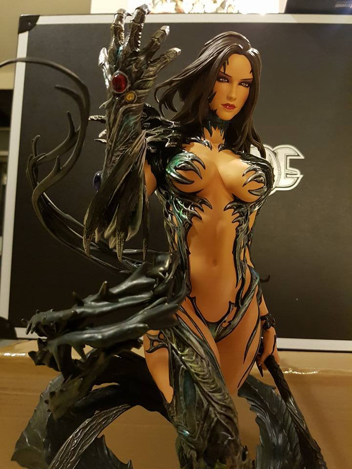 Premium Collectibles : Witchblade - Page 4 3f5j58