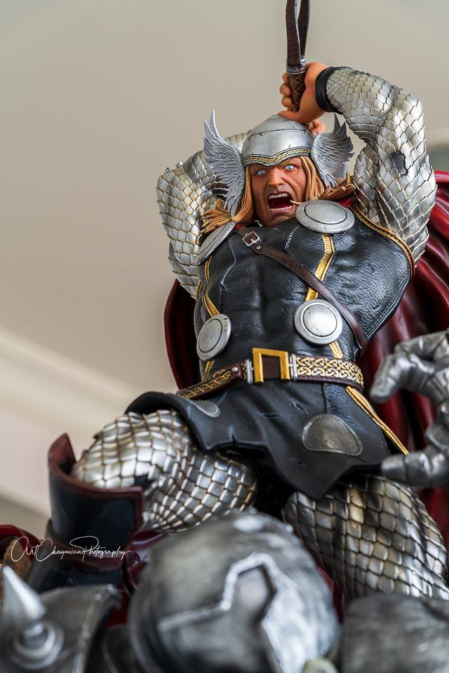 Premium Collectibles : Modern Thor 3hwk7e