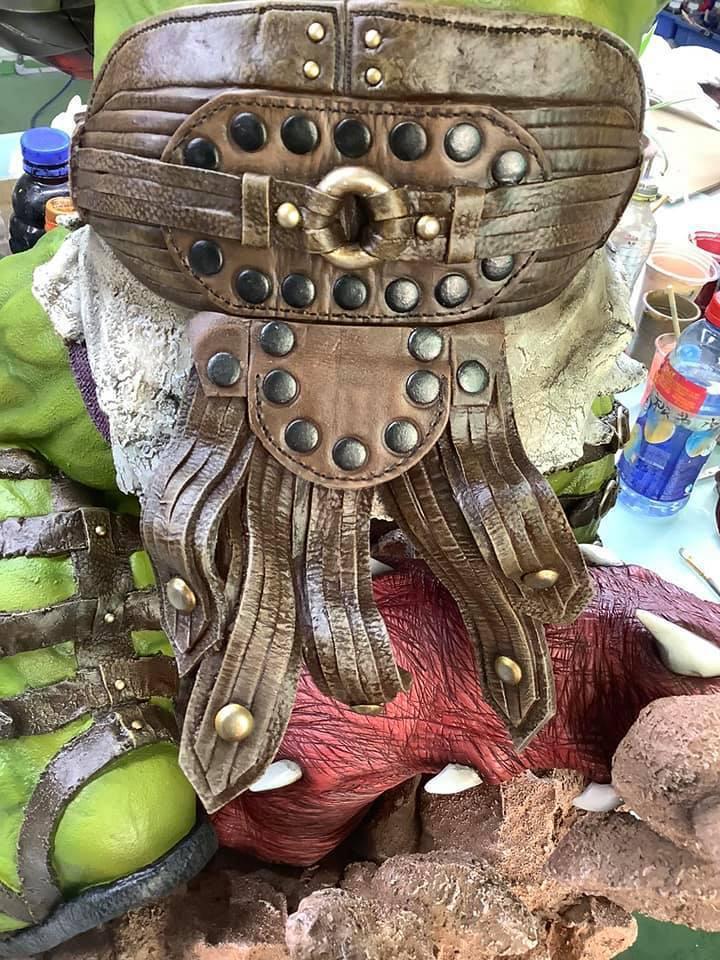 Premium Collectibles : Planet Hulk / King Hulk** 3i2j1n