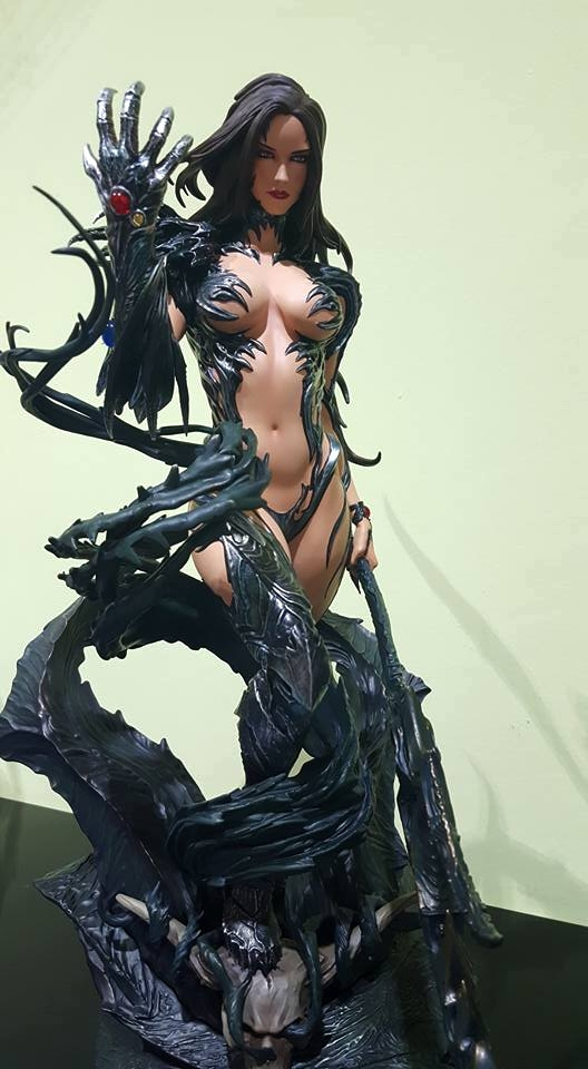 Premium Collectibles : Witchblade - Page 4 3nludl