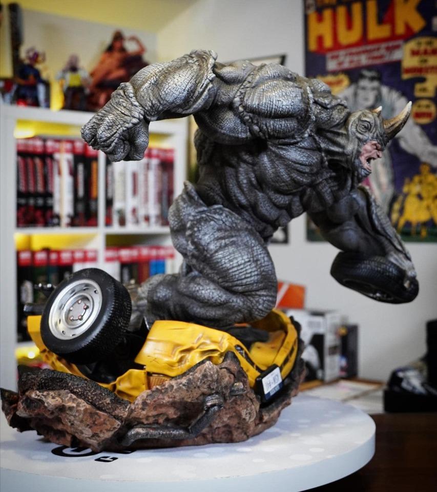 Premium Collectibles : Rhino** 3ytk3h