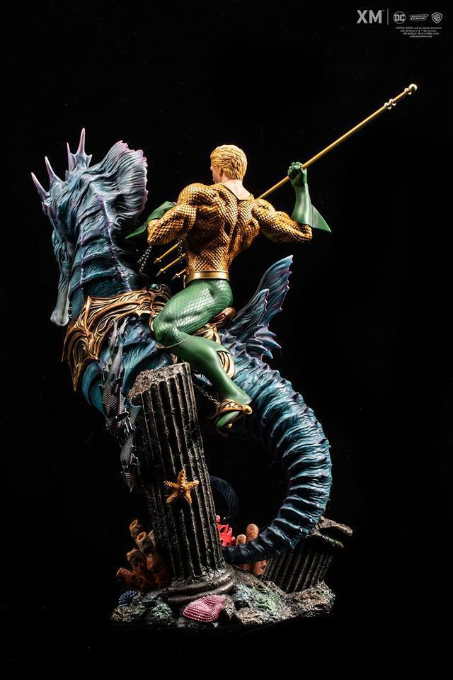 Premium Collectibles : JLA Aquaman 1/6**   40635170_214173227271yriv0