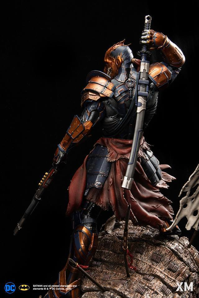 Premium Collectibles : Deathstroke** 40833778_21417360460497ib8