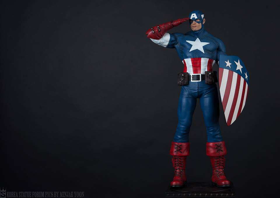 Premium Collectibles : Captain America - Sentinel of liberty - Page 5 412st1