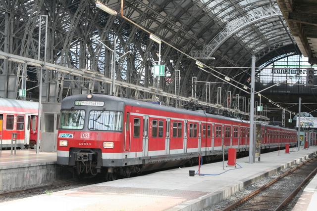 420 228-9 Frankfurt(Main)Hbf