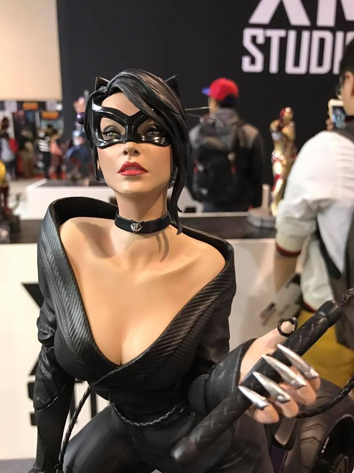 Premium Collectibles : Catwoman - Page 3 421zxqh