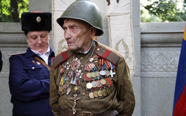 Vétéran au jour de la victoire - Page 2 42_2smksj