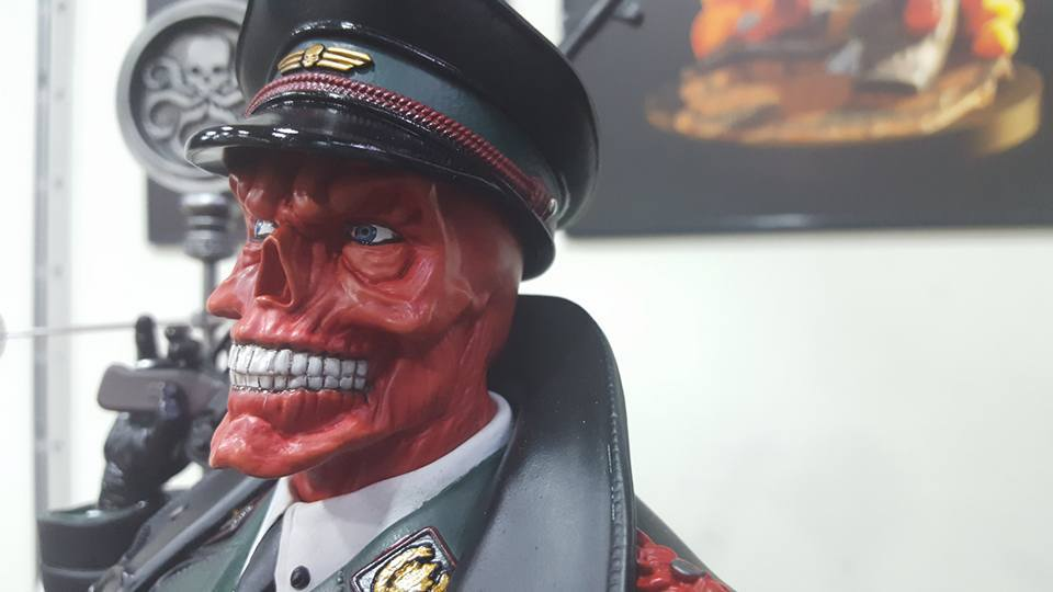 Premium Collectibles : Red Skull 44fq24