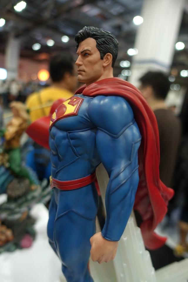 Premium Collectibles : JLA Superman 1/6**   44n4kgr