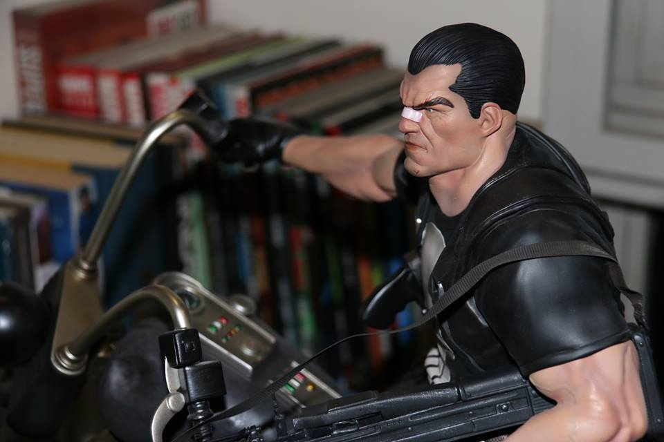 Premium Collectibles : Punisher - Page 5 44xsts