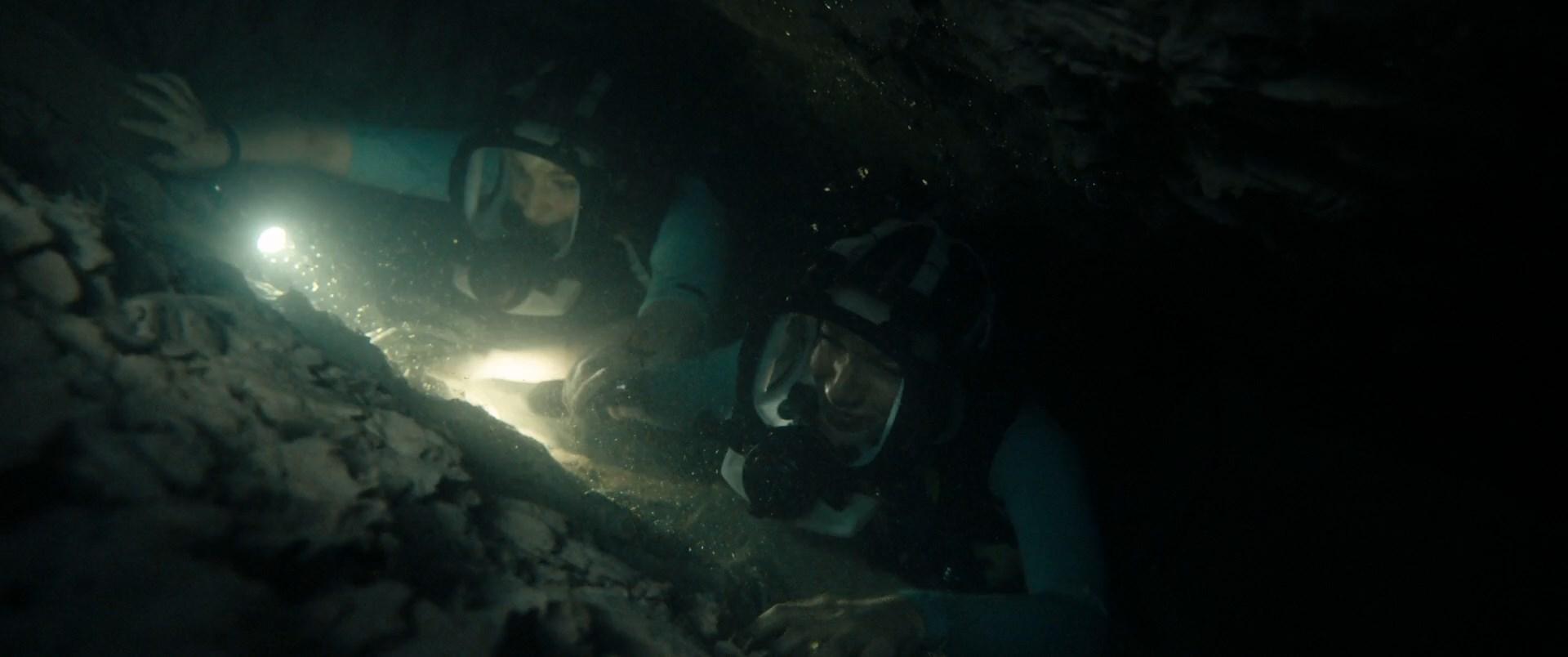 [Resim: 47.meters.down.uncagea2jzb.jpg]