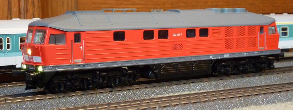 Märklin BR 232 (36420 1.Ausführung und ähnliche) mit eckigen Puffern ausstatten 47hbh5