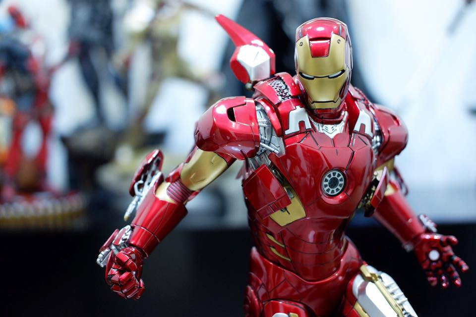 Premium Collectibles : Iron man MK VII - Page 5 4bpsox