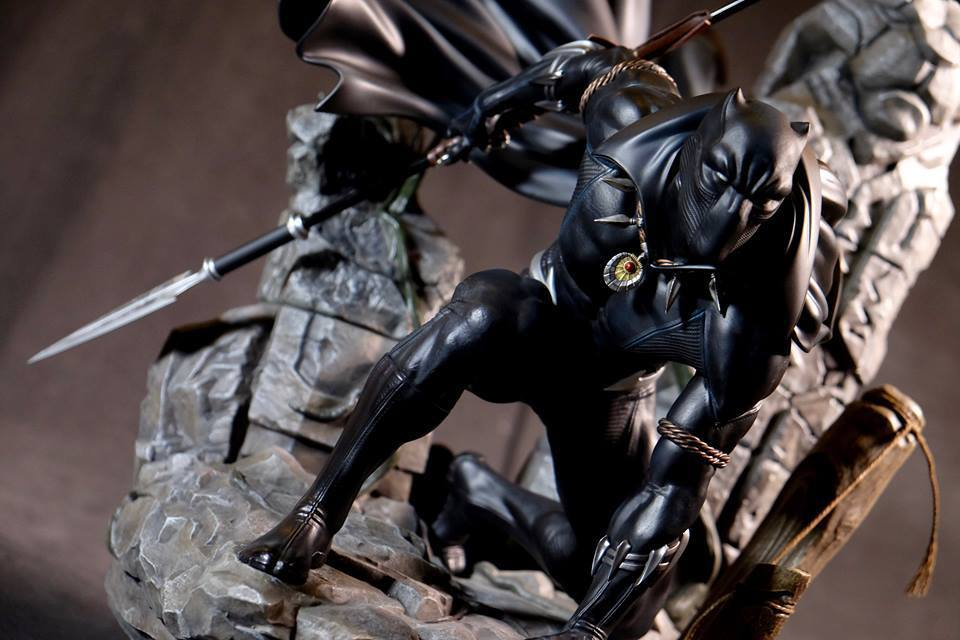 Premium Collectibles : Black Panther - Page 8 4cyj7t