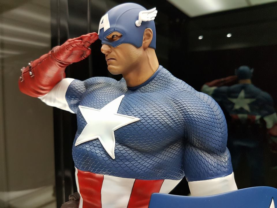 Premium Collectibles : Captain America - Sentinel of liberty - Page 5 4ejlnw
